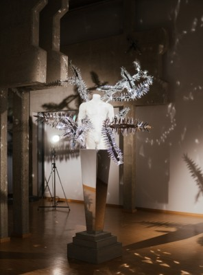 Predstavitev del razstave Teatralna ekspresivnost - Modni svetovi Matica Velerja