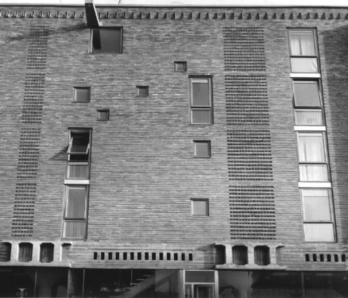 Arhitektura v živo, trgovsko-stanovanjski objekt arhitekta Stanka Kristla