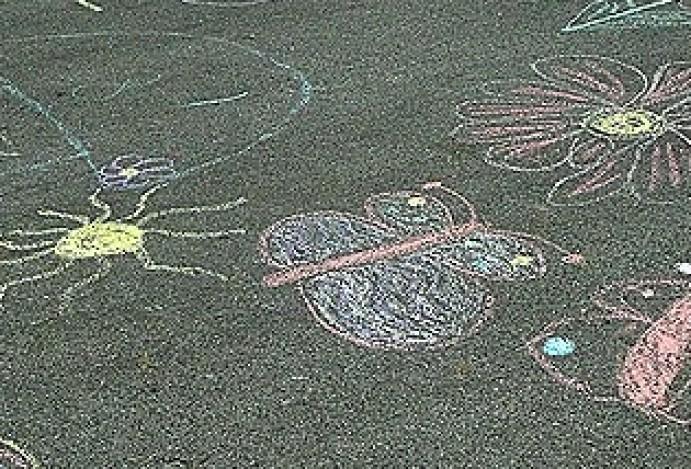 Celodnevno kreativno ustvarjanje pred Galerijo Velenje